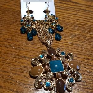 Fashion earrings and necklace